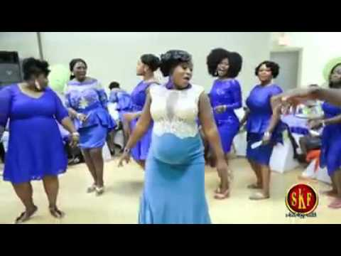 What A Dance? Pregnant Ghanaian Woman Kills it on the dance floor